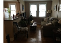 Spacious 1 bedroom with office in Black Rock