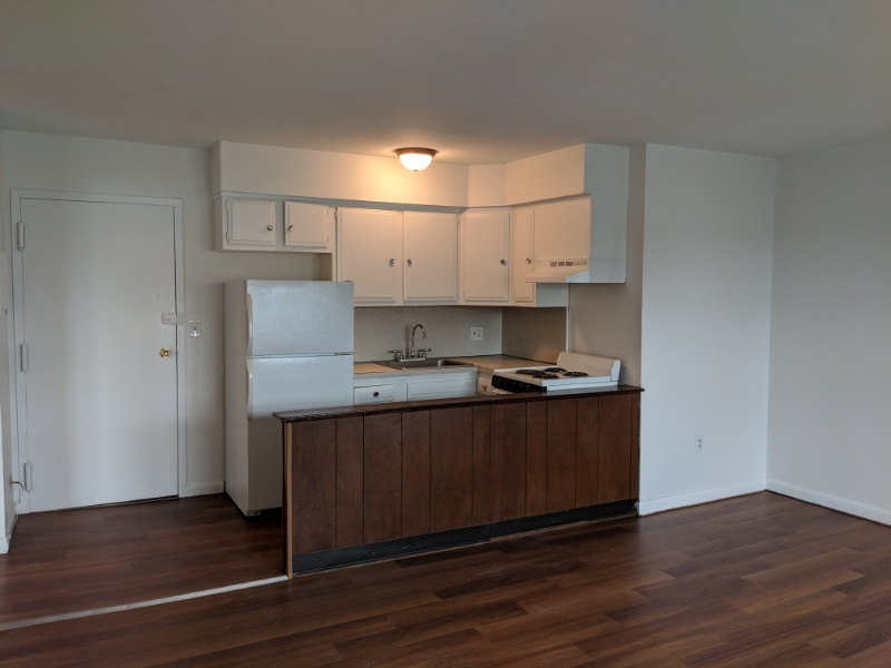 Heat&HOT water included LARGE studio for rent!!