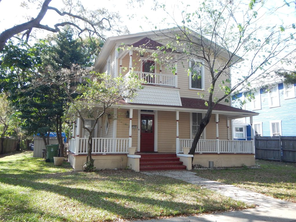 Spacious Home near University of Tampa - Apply at Turbo Tenant: http://rent