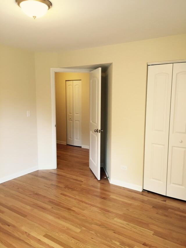 Bed2 door