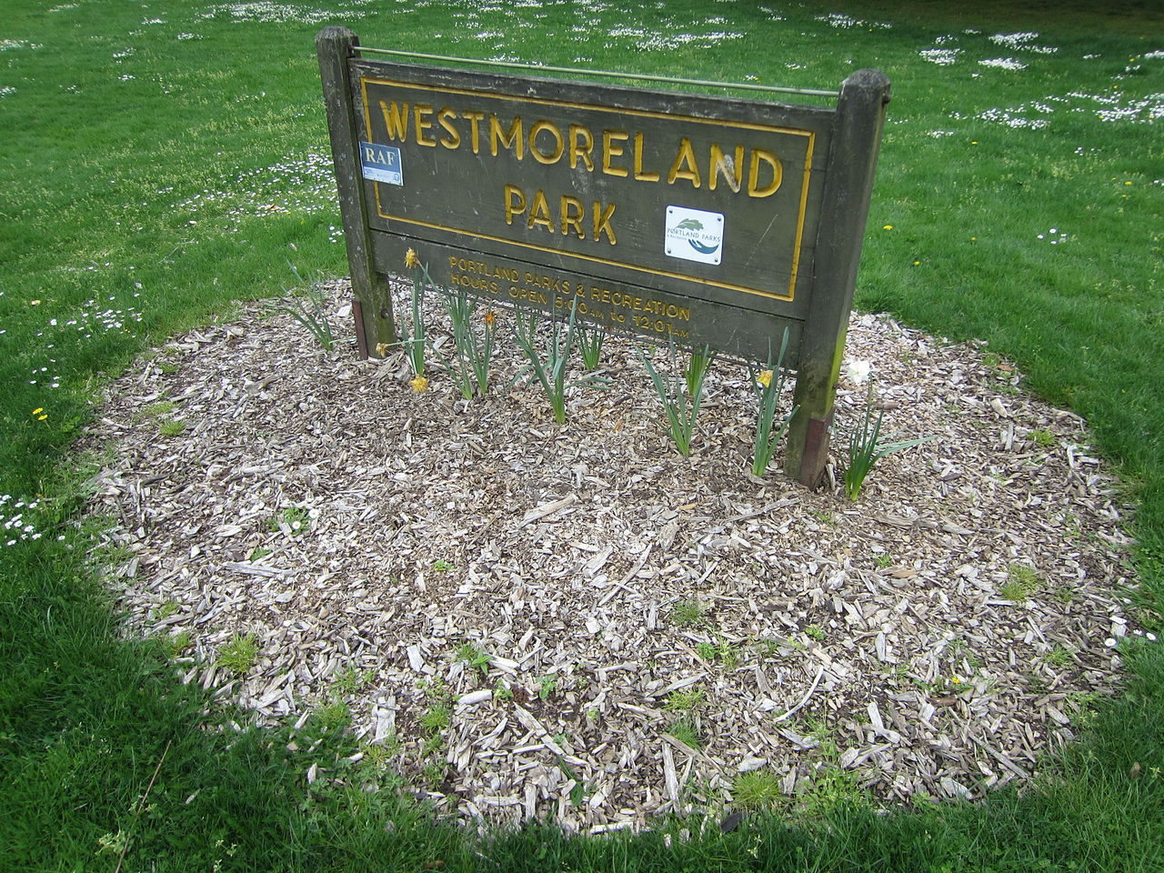 1280px westmoreland park sign  portland  oregon