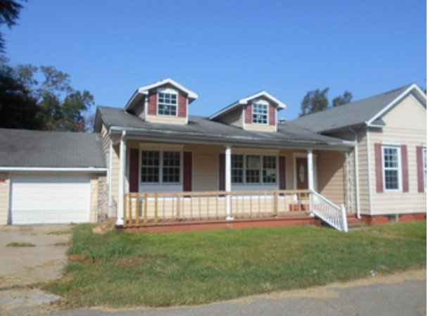 , 1 113 Tower Ln,