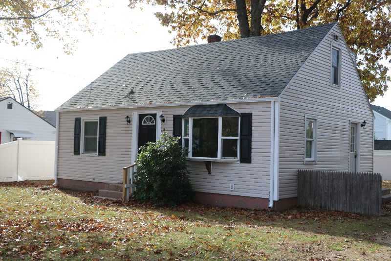 Newly Renovated 4 Bed 2 Bath House!