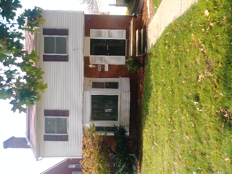 3BR COLONIAL LOCATED IN GRANDMONT SUBDIVISION
