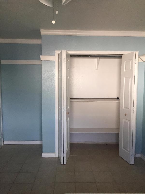 La Ventana (Blue Room)