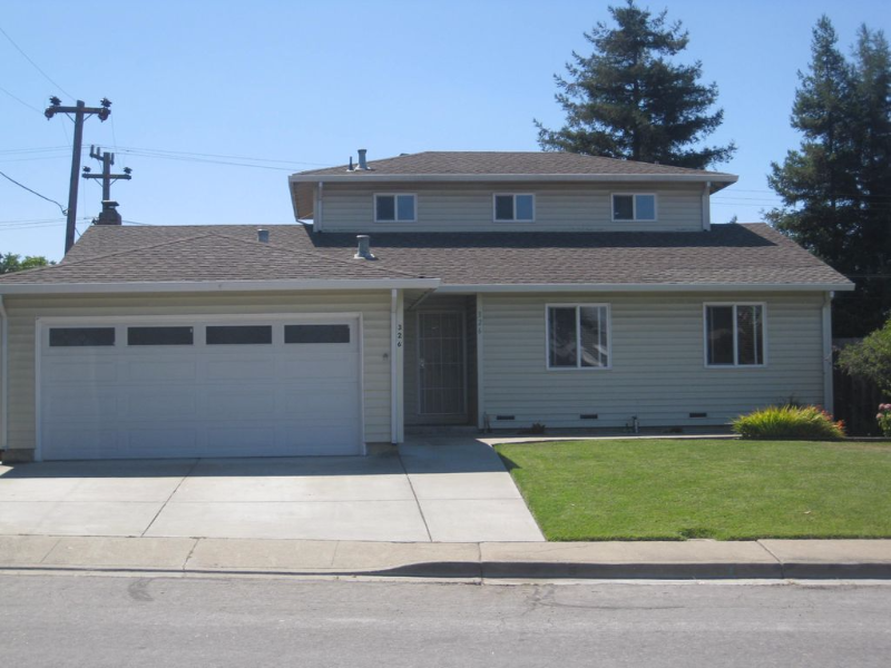 A 5bed/3bath house in  Fremont for rent