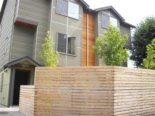 ENTIRE MODERN 3BR TOWNHOUSE IN WEST SEATTLE