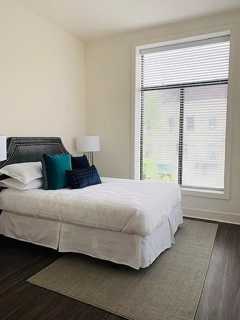 1 BED APARTMENT PARKING INCLUDED *NO BROKER FEES*