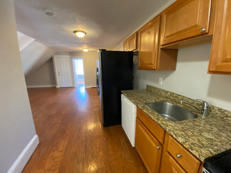 3 Bed + Updated + Next to Zoo