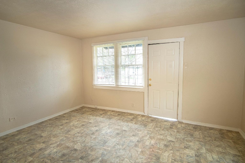 This is a recently renovated 2 beds 1 bath