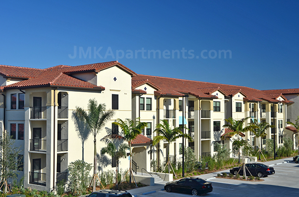 Modern Luxury West Palm Apartment - PLEASE CONTACT ME BEFORE APPLYING